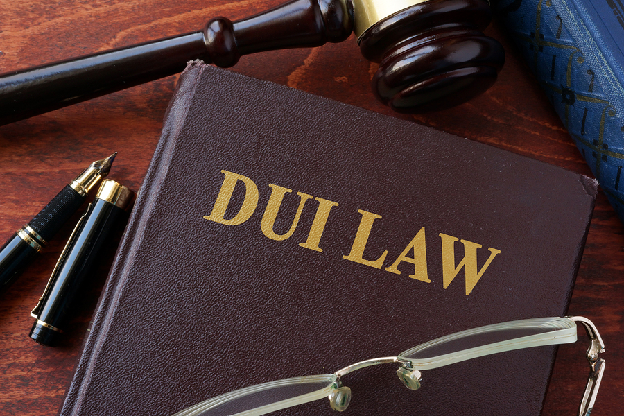 Los Angeles DUI attorney \ DUI Law title on a book and gavel.